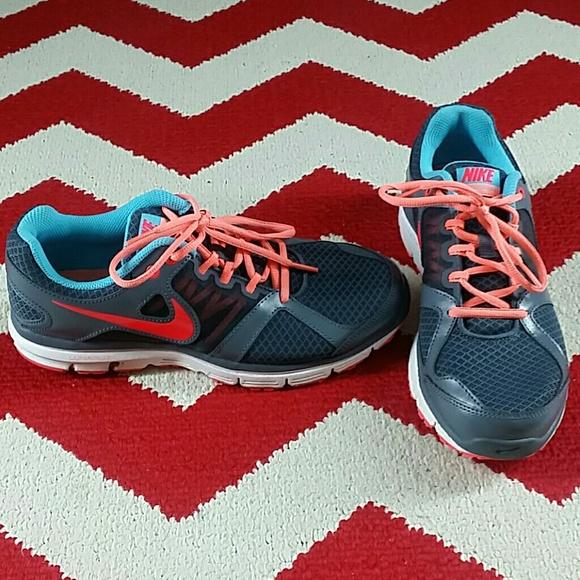 new arrivals f665e 6ba6e Nike Lunar Forever 2 Shoes Women s Size 8.5 Gray. M 5b3c03f6035cf1728b55c079